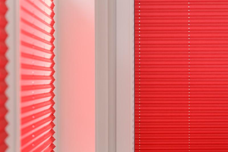 Blöcker Cosiflor Plissee rot Esszimmer