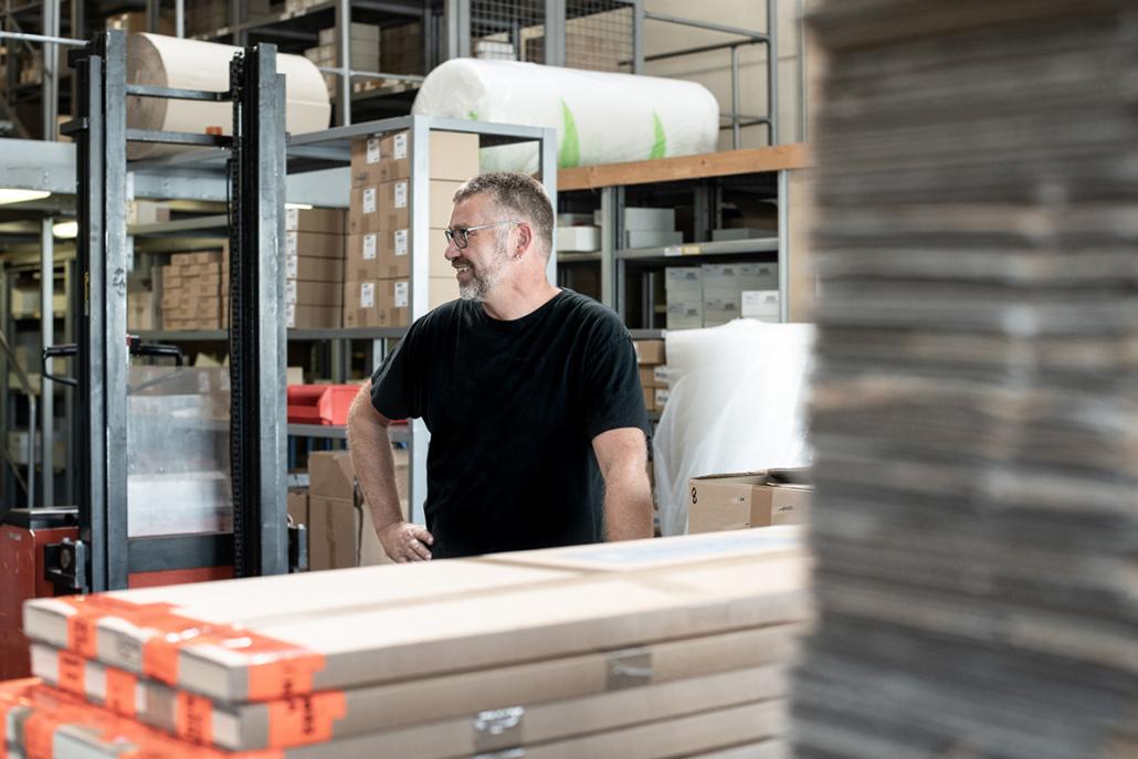 Kommissionierung Plisse Verpackung Lager Stapler Fachkraft zur Lagerlogistik