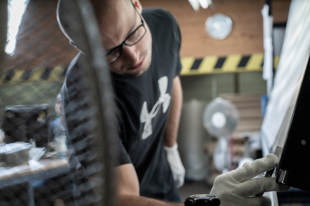 QS Qualitätskontrolle Warenkontrolle unverzügliche Prüfung Lager Kontrolle Bogenverzug Duoflor Doppelrollo Fachkraft zur Lagerlogistik